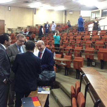 Issad Rebrab en marge d'une conférence