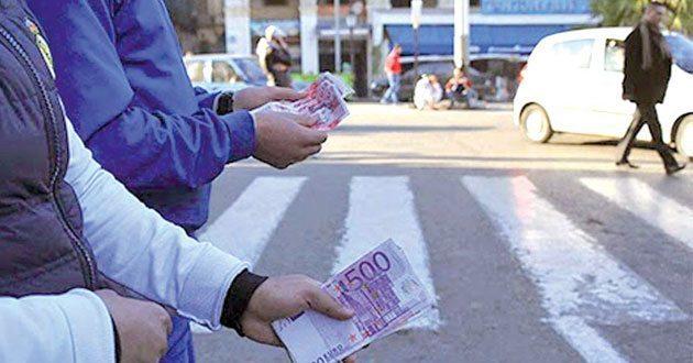 Taux de change du dinars algérien sur les marchés parallèle et officiel