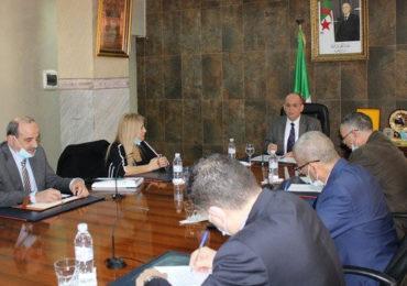 Le nouveau ministre de l'industrie tient des réunions avec les représentants d'organisations patronales