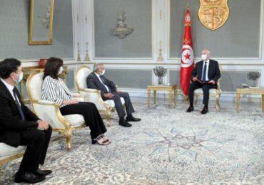 Tunisie: Saïed appelle l'association des banques à baisser le taux d'intérêt en vigueur