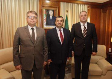 Mines : Arkab s'entretient avec le directeur d'une société mixte russe-émiratie