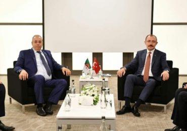 Pas moins de 800 entreprises turques présentes en Algérie selon Zghdar